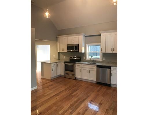 Maison unifamiliale pour l Vente à 115 Union Street 115 Union Street Holbrook, Massachusetts 02343 États-Unis