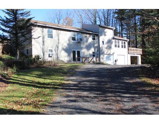 独户住宅 为 销售 在 39 Winchendon Road 39 Winchendon Road 艾什本罕, 马萨诸塞州 01430 美国