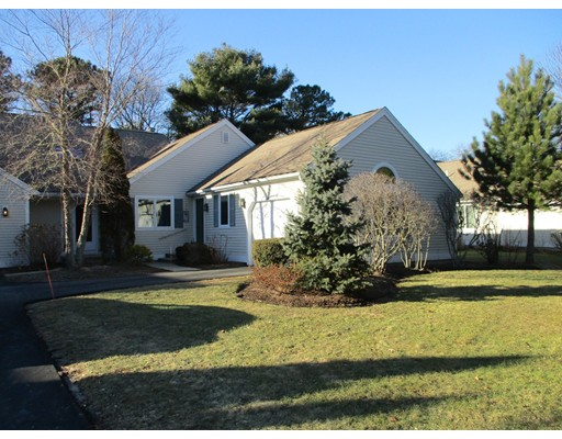 Additional photo for property listing at 62 Pine Hill Blvd 62 Pine Hill Blvd Mashpee, Massachusetts 02649 États-Unis