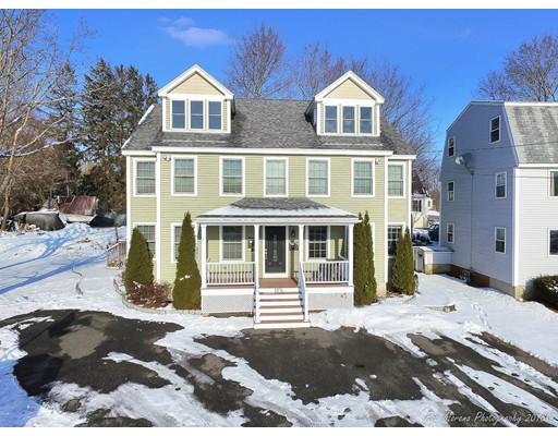 共管式独立产权公寓 为 销售 在 13 Merrimac Street 13 Merrimac Street Amesbury, 马萨诸塞州 01913 美国