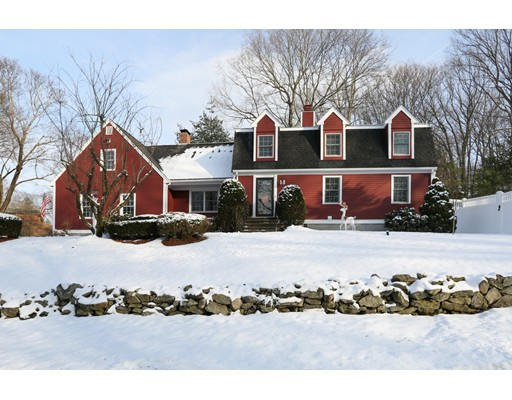 Single Family Home for Sale at 45 Indian Head Road 45 Indian Head Road Framingham, Massachusetts 01701 United States