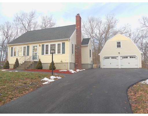 Maison unifamiliale pour l Vente à 17 Laurel Lane 17 Laurel Lane Bellingham, Massachusetts 02019 États-Unis