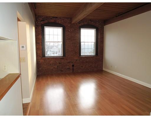 Appartement en copropriété pour l à louer à 50 Rantoul Street #407 50 Rantoul Street #407 Beverly, Massachusetts 01915 États-Unis