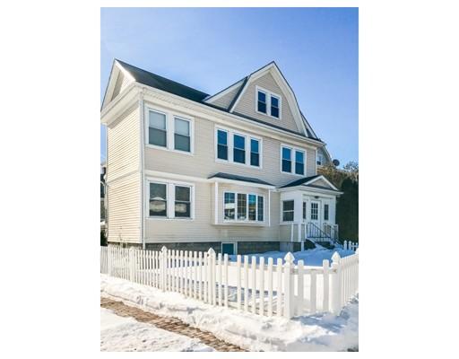 Casa Multifamiliar por un Venta en 347 Salem Street 347 Salem Street Medford, Massachusetts 02155 Estados Unidos