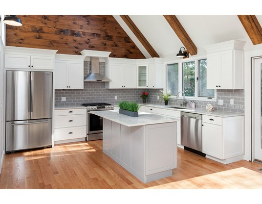 Частный односемейный дом для того Продажа на 3 White Pine Circle 3 White Pine Circle Sandwich, Массачусетс 02537 Соединенные Штаты