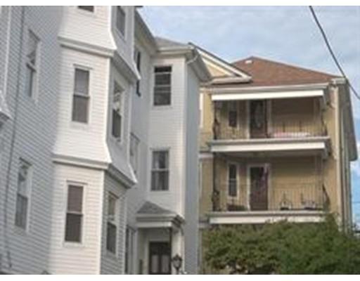 Additional photo for property listing at 390 Ridge Street  Fall River, 马萨诸塞州 02724 美国