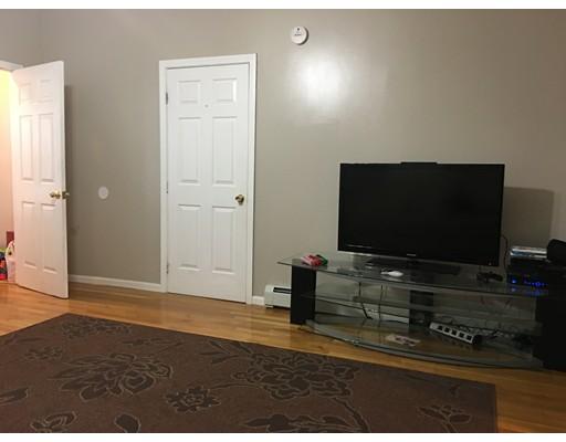 Apartamento por un Alquiler en 39 Central St #1 39 Central St #1 Peabody, Massachusetts 01960 Estados Unidos