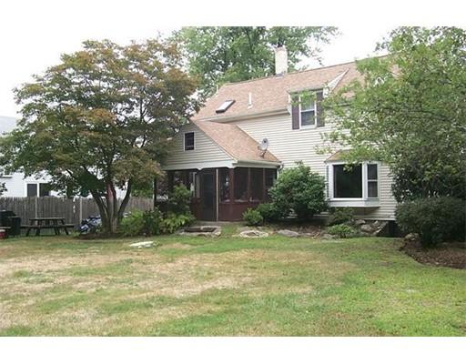 独户住宅 为 销售 在 180 Plain Street 180 Plain Street Rockland, 马萨诸塞州 02370 美国