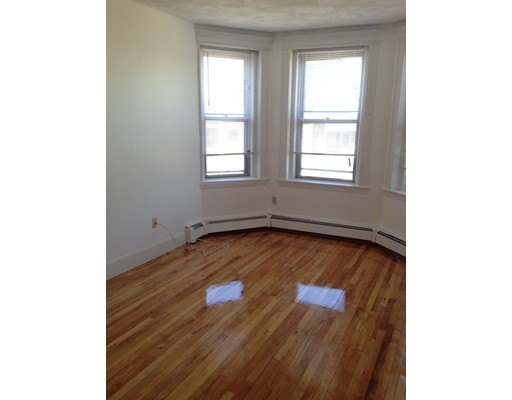 Additional photo for property listing at 210 Chestnut Hill Avenue  Boston, Massachusetts 02135 Estados Unidos