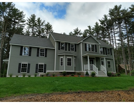 Single Family Home for Sale at 132 Cow Pond Brook Road 132 Cow Pond Brook Road Groton, Massachusetts 01450 United States