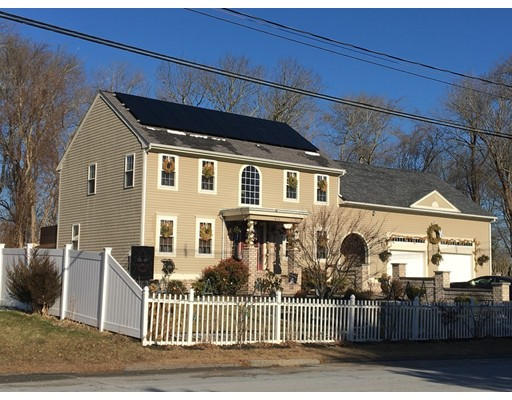 Single Family Home for Sale at 415 Cross Road 415 Cross Road Dartmouth, Massachusetts 02747 United States