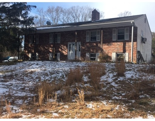 独户住宅 为 销售 在 130 lothrop 130 lothrop Taunton, 马萨诸塞州 02780 美国