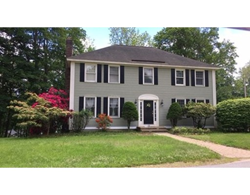 Single Family Home for Sale at 73 Maple Street 73 Maple Street North Brookfield, Massachusetts 01535 United States