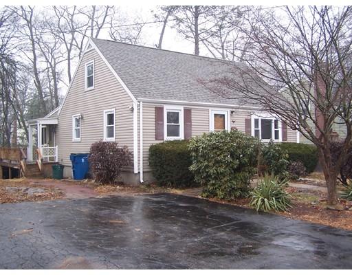 独户住宅 为 销售 在 36 Cedar Circle 36 Cedar Circle 伦道夫, 马萨诸塞州 02368 美国