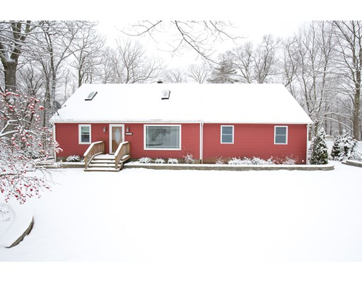 Single Family Home for Sale at 412 Streetafford Street 412 Streetafford Street Charlton, Massachusetts 01507 United States
