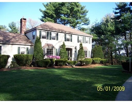 Single Family Home for Sale at 22 Cemetery 22 Cemetery Mendon, Massachusetts 01756 United States