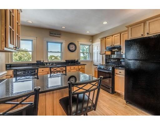 独户住宅 为 出租 在 38 Hood Street 牛顿, 马萨诸塞州 02458 美国