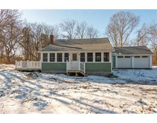 Single Family Home for Sale at 30 Barber Heights Avenue 30 Barber Heights Avenue North Kingstown, Rhode Island 02854 United States