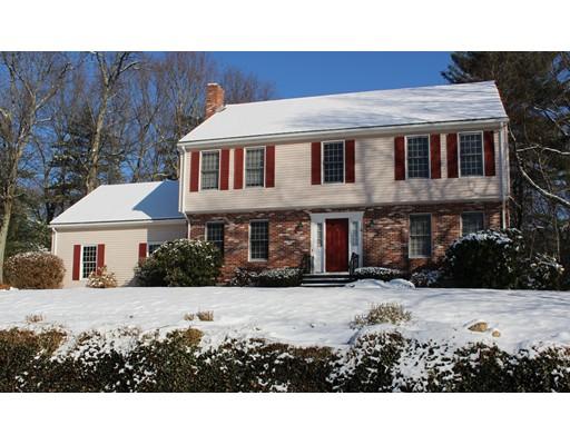 Maison unifamiliale pour l Vente à 4 Darlene Drive 4 Darlene Drive Southborough, Massachusetts 01772 États-Unis