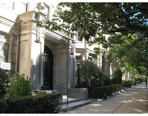 独户住宅 为 出租 在 52 Charlesgate 波士顿, 马萨诸塞州 02215 美国