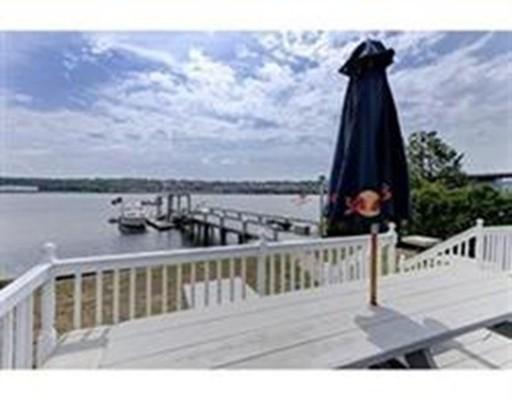 Casa Unifamiliar por un Venta en 108 beach Avenue 108 beach Avenue Somerset, Massachusetts 02726 Estados Unidos