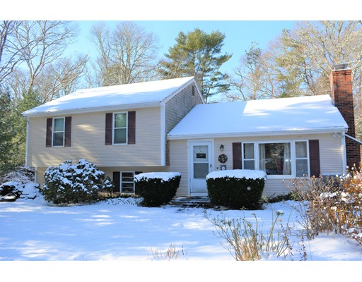 Single Family Home for Sale at 46 Harriette Road 46 Harriette Road Falmouth, Massachusetts 02536 United States