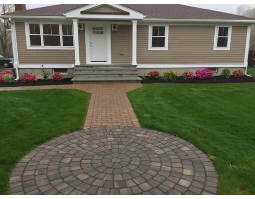 واحد منزل الأسرة للـ Sale في 6 Pine Street 6 Pine Street Stoughton, Massachusetts 02072 United States