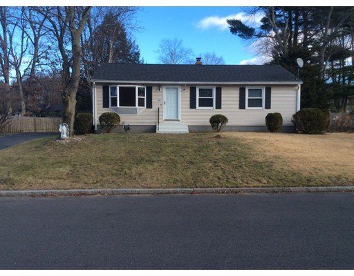 Частный односемейный дом для того Продажа на 97 Carol Ann Street 97 Carol Ann Street Springfield, Массачусетс 01128 Соединенные Штаты