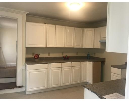 Частный односемейный дом для того Продажа на 18 Norfolk Street 18 Norfolk Street Springfield, Массачусетс 01109 Соединенные Штаты
