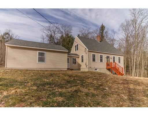 واحد منزل الأسرة للـ Sale في 980 S Royalston Road 980 S Royalston Road Athol, Massachusetts 01331 United States