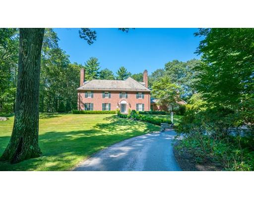 واحد منزل الأسرة للـ Sale في 86 Concord Road 86 Concord Road Weston, Massachusetts 02493 United States
