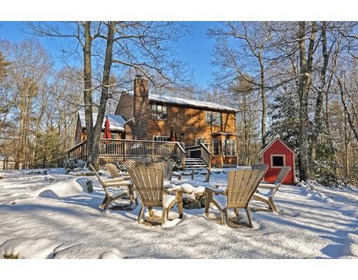 Single Family Home for Sale at 20 Elm Street 20 Elm Street Douglas, Massachusetts 01516 United States