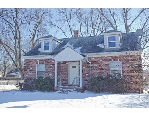 Single Family Home for Sale at 1565 Westover Road 1565 Westover Road Chicopee, Massachusetts 01020 United States