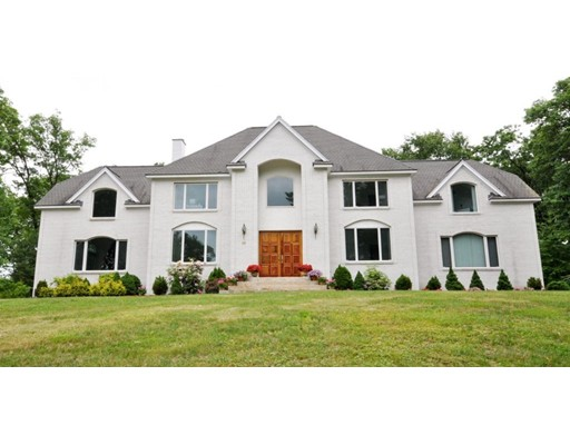 Maison unifamiliale pour l Vente à 48 Goodnow Lane 48 Goodnow Lane Framingham, Massachusetts 01702 États-Unis