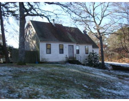 Single Family Home for Sale at 35 Windsor Avenue 35 Windsor Avenue Dennis, Massachusetts 02660 United States