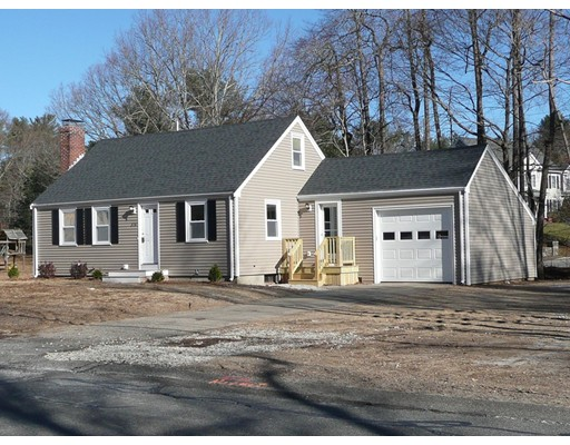 Single Family Home for Sale at 376 Myrtle Street 376 Myrtle Street Hanover, Massachusetts 02339 United States