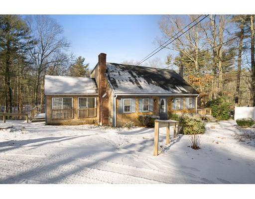 Single Family Home for Sale at 498 Lincoln Street Duxbury, 02332 United States