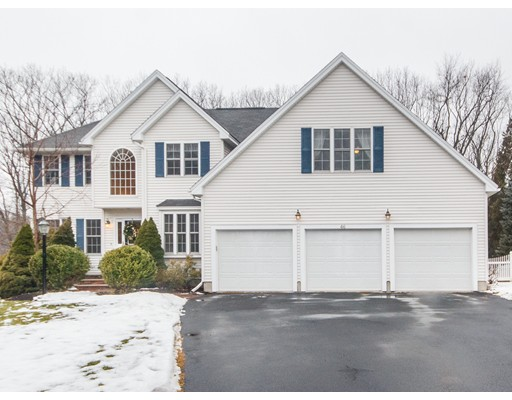 واحد منزل الأسرة للـ Sale في 46 Sunset Rock Lane 46 Sunset Rock Lane Reading, Massachusetts 01867 United States