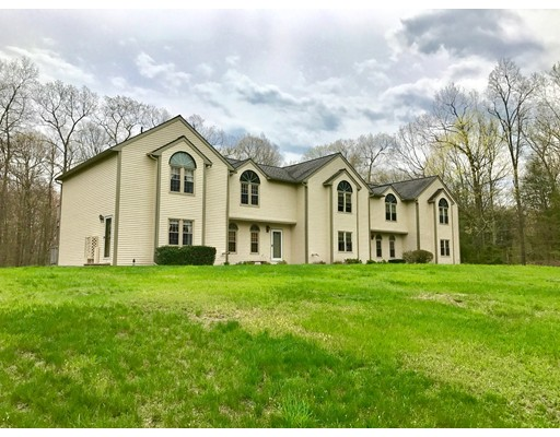 Condominium for Sale at 3 Oak Hill Estate #3 3 Oak Hill Estate #3 Woodstock, Connecticut 06281 United States