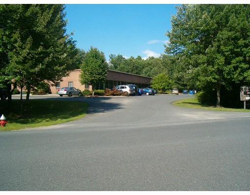 商用 为 出租 在 160 Old Farm Road 160 Old Farm Road Amherst, 马萨诸塞州 01002 美国