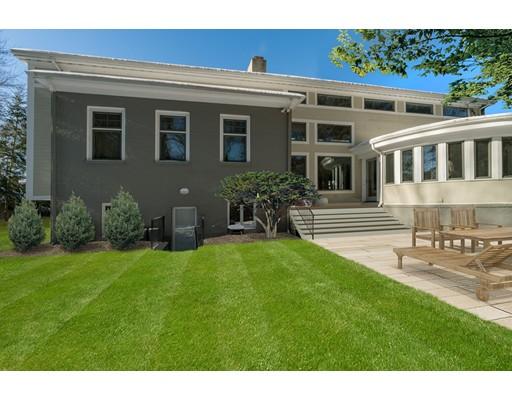 独户住宅 为 销售 在 112 Exeter Street 112 Exeter Street 牛顿, 马萨诸塞州 02465 美国