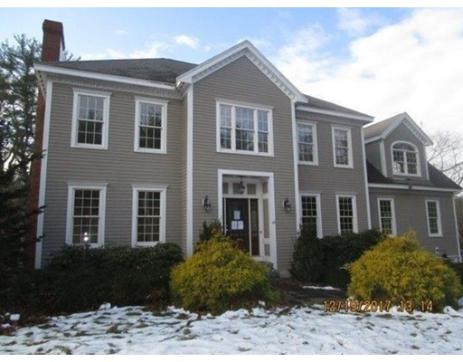 Casa Unifamiliar por un Venta en 43 Pleasant Street 43 Pleasant Street Wenham, Massachusetts 01984 Estados Unidos