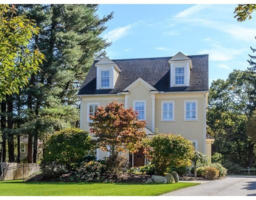 واحد منزل الأسرة للـ Sale في 19 Pine Plain Road 19 Pine Plain Road Wellesley, Massachusetts 02481 United States