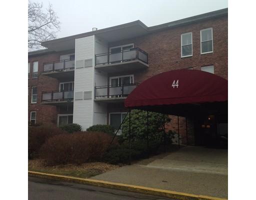 Additional photo for property listing at 44 Broadlawn Park  Boston, Massachusetts 02467 Estados Unidos