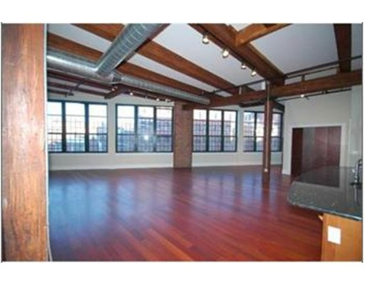 Additional photo for property listing at 126 N. Washington Street  Boston, Massachusetts 02114 Estados Unidos
