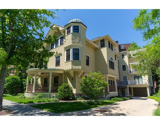 Additional photo for property listing at 70 Sewall Avenue 70 Sewall Avenue Brookline, Massachusetts 02446 Estados Unidos