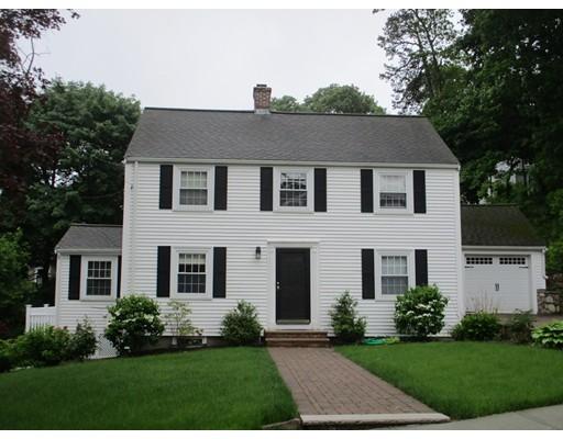 واحد منزل الأسرة للـ Sale في 10 Pine Hill Circle 10 Pine Hill Circle Wakefield, Massachusetts 01880 United States
