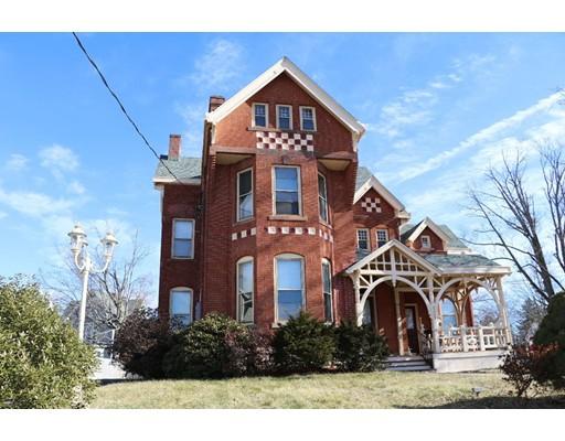 Casa Multifamiliar por un Venta en 121 Pearl Street 121 Pearl Street Enfield, Connecticut 06082 Estados Unidos