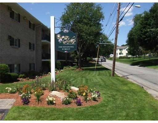 Additional photo for property listing at 200 Manning Street  Hudson, Massachusetts 01749 United States