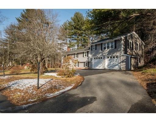 واحد منزل الأسرة للـ Sale في 147 Elm Street 147 Elm Street North Reading, Massachusetts 01864 United States